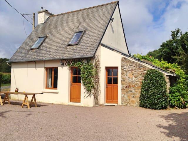 Lande Noire: Cottage & Gardens - Henansal - Casa