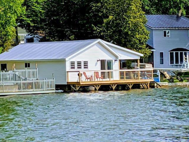 Grove Getaway on Three Mile Bay