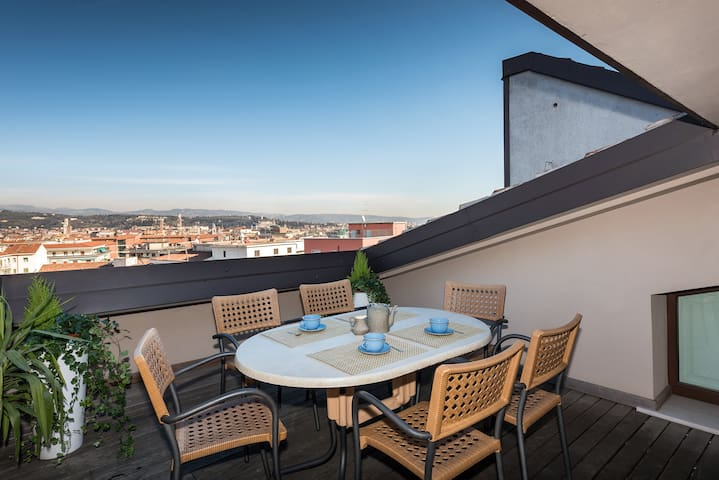Panorama Apartment -with  views !! - Verona - Apartemen