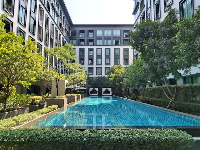 the reserve, convenient living in siam BTS area.
