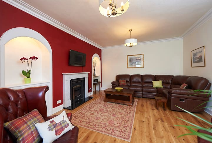 Craigview Villa quiet location near to City centre