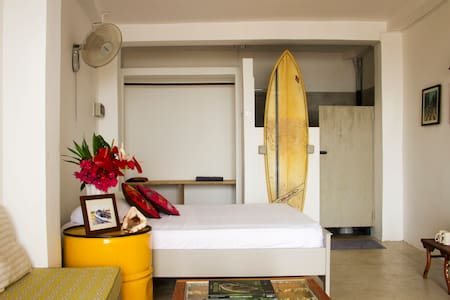 The Surf Shack - beachfront studio
