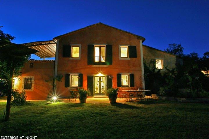 Villa Vetrica in Tuscany - San Casciano dei Bagni - House
