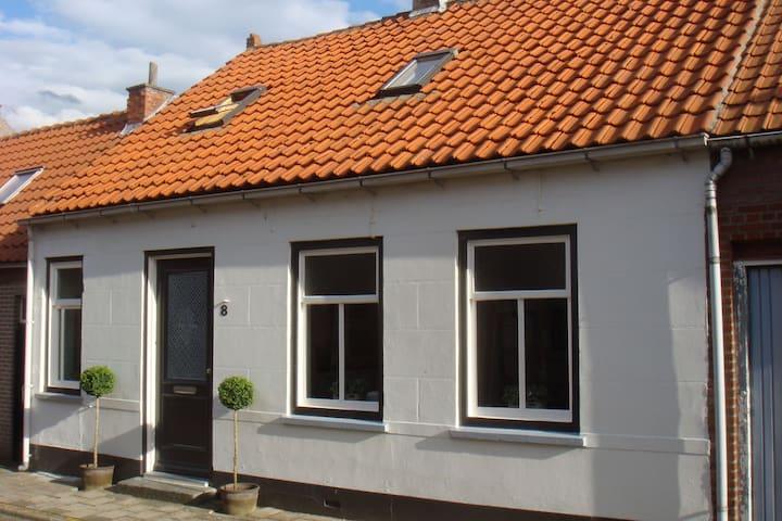 Maison paisible près de la plage à Groede
