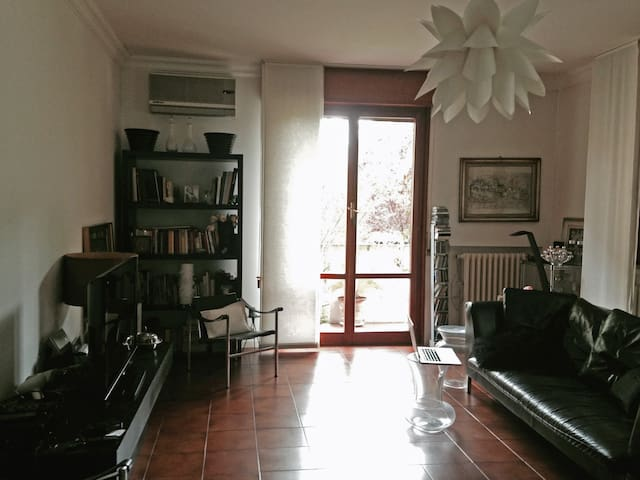 beautiful flat in residential area - Parma - Wohnung