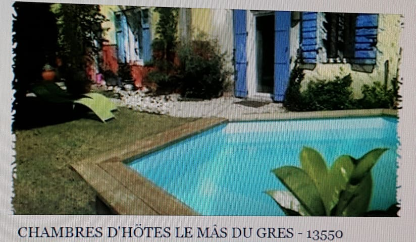 """Mâs Côté Grès """"Pack famille - 6 personnes"""" - Noves - Bed & Breakfast"""