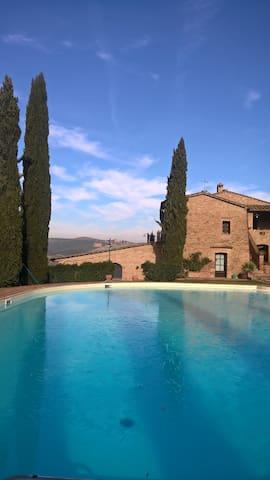 Agriturismo Vergelle  Vald'Orcia, casa con piscina - San Giovanni D'asso - Byt
