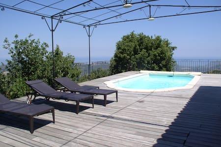 villa avec vue panoramique de 170m carre - Speloncato
