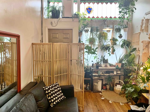 Plant Loft in Heart of Greenpoint