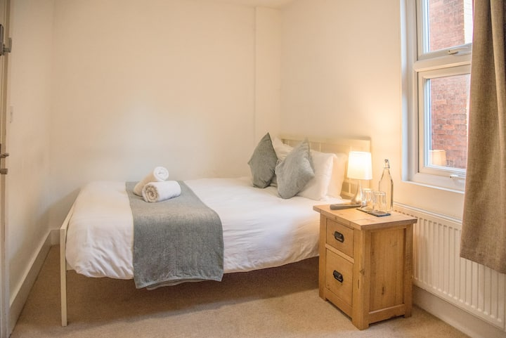 Boutique Room - Central Ipswich