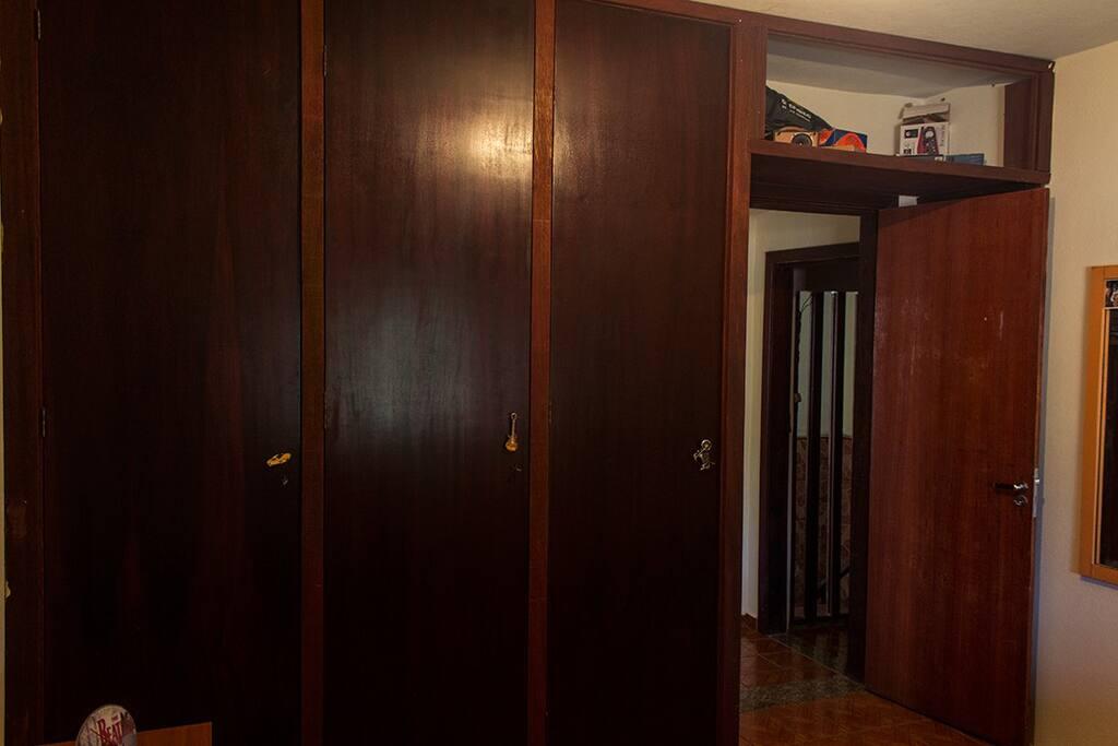 quartos com armários