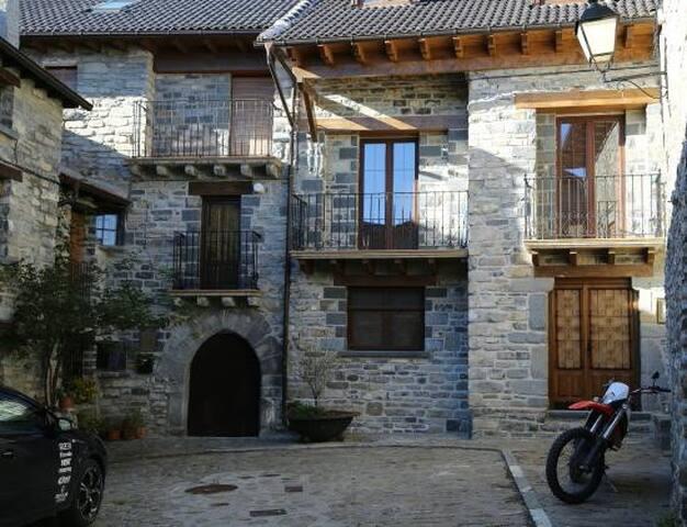 Rural home in Aisa