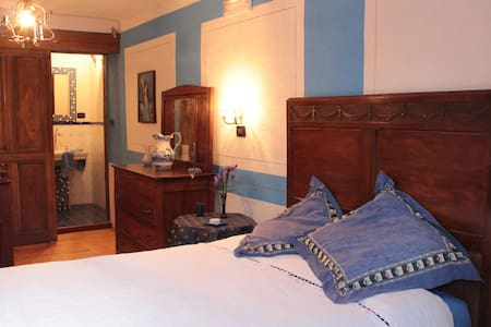 the patronal blue room - Coassolo - Bed & Breakfast