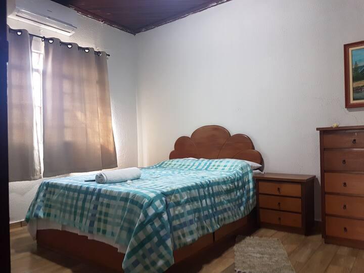 KITNET - OLD HOUSE 02