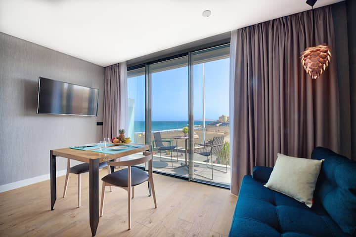 Luxury Beach View Apartment