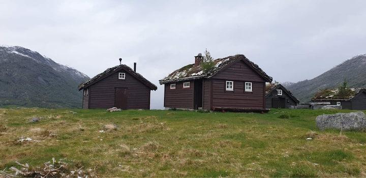 Stølshus i naturskjønne Jølster