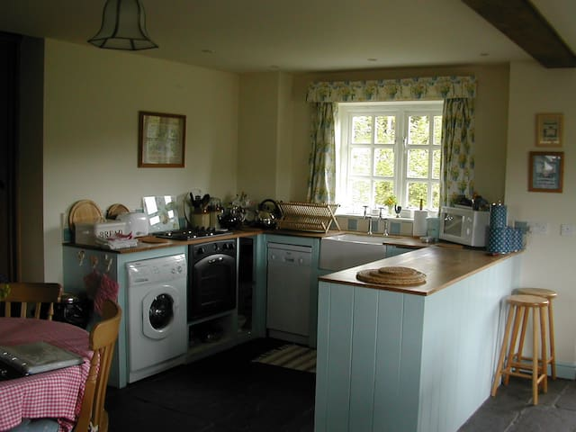 Kitchen in Damson Cottage