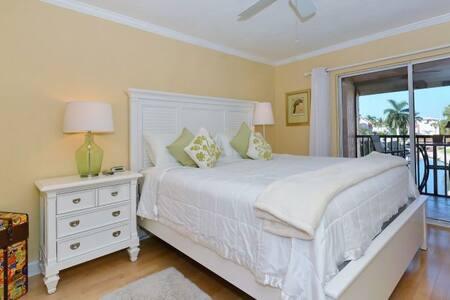Fabulous 1 Bedroom Condo Special Wks of 4/08 5/06 - Bradenton Beach - Apartament
