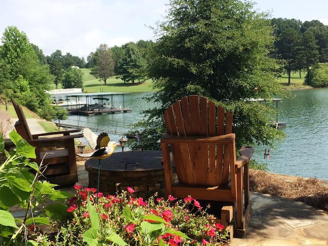 Lakefront, Year Round Mountain View - Hayesville - Casa
