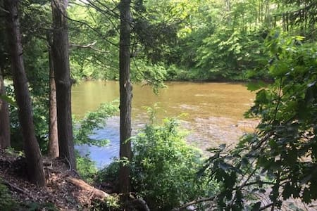 Lovely Lycoming Creek Getaway