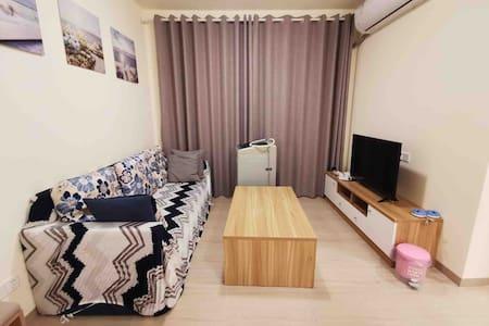 三亚清水湾4A景区度假海边管家式公寓中央湖景两室一厅