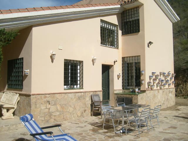 Detached house in countryside /amazing views /pool - Villanueva de la Concepción - Villa