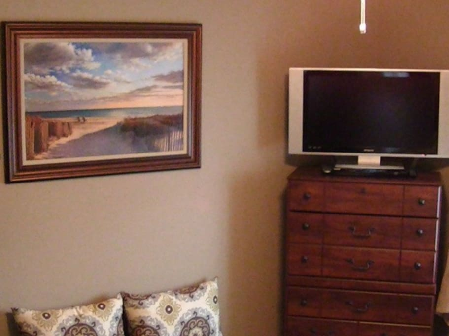 (Rm-1 of 4) Large Flat Screen TV with DVD player - Cable TV
