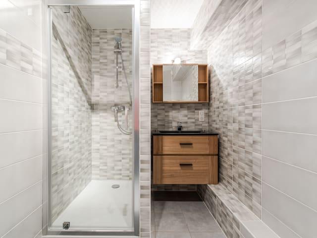 Salle d'eau neuve