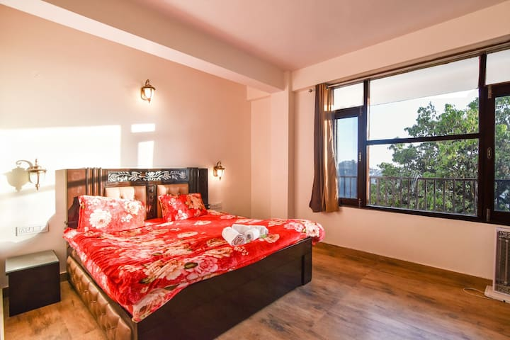 Dhanlaxmi Apartment |20 MINT Walk to Mall road