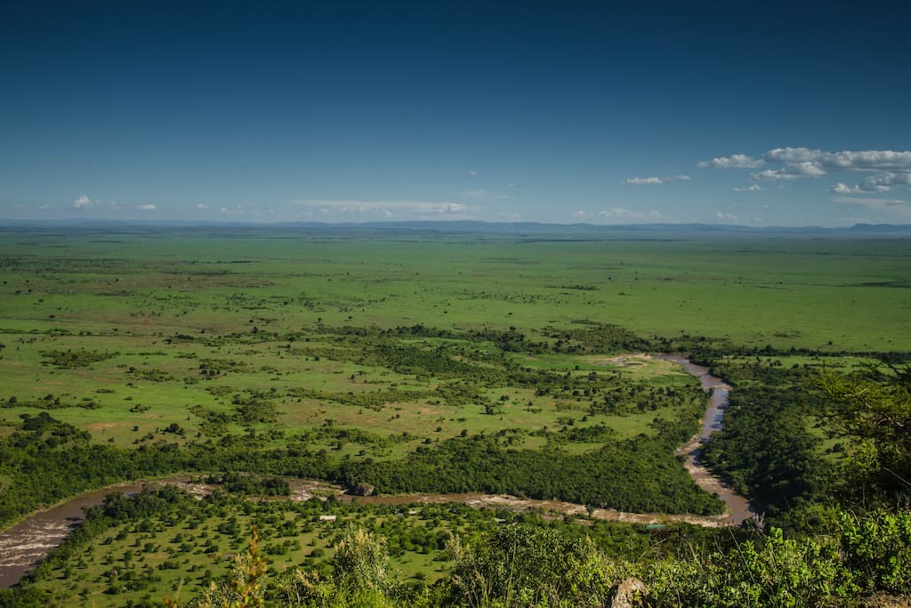 Breathtaking scenery of the Mara River in the famous Masai Mara National Reserve.