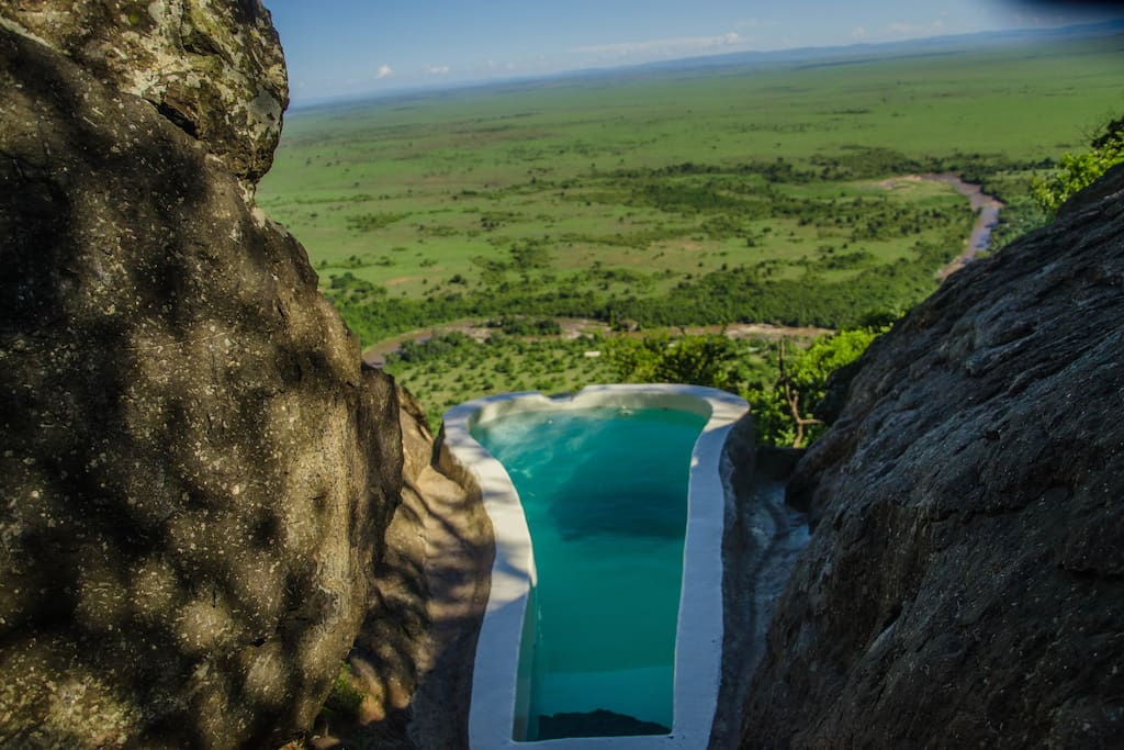 Plunge Pool with majestic view of the plains and wildlife