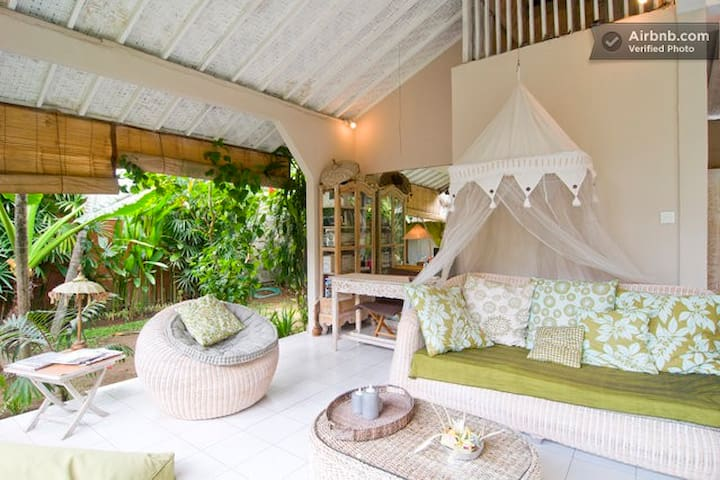Bali  B&B in the heart of Seminyak