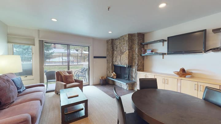 ★ Ski-in/Ski-out ★ Hot Tub ★ Modern ★ Lichenhearth