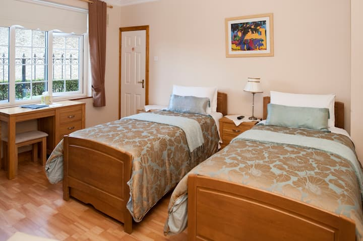 Almanii B&B 2 - Dublin Airport/City