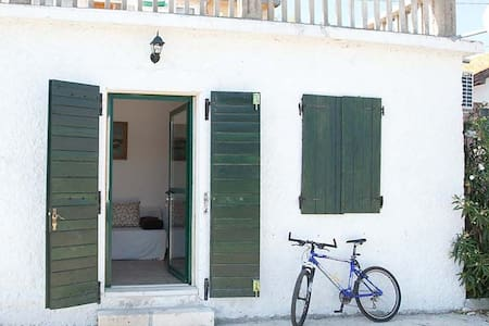 Sea side apartment - Island Molat - Molat - Apartmen