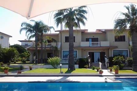Luxury Villa Baia Turchina BY THE SEA - Brucoli - Villa