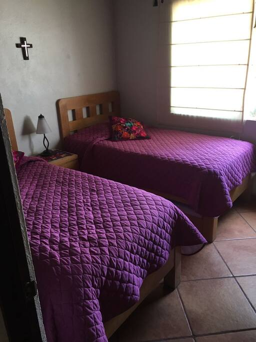 cuarto dos camas