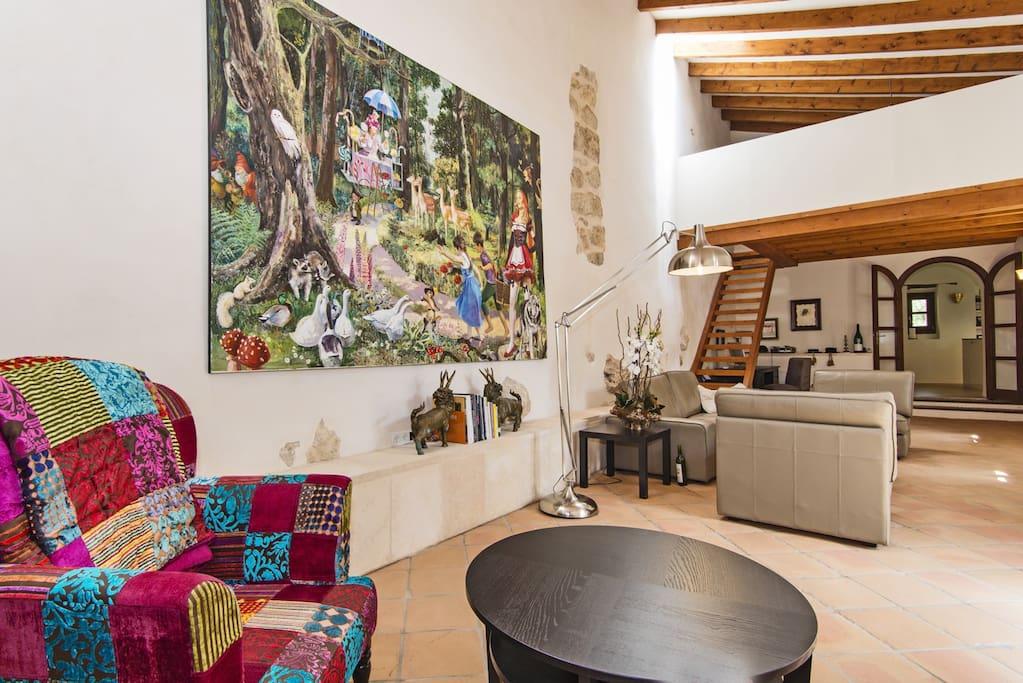 Wohnzimmer mit Blick auf die Gästegalerie