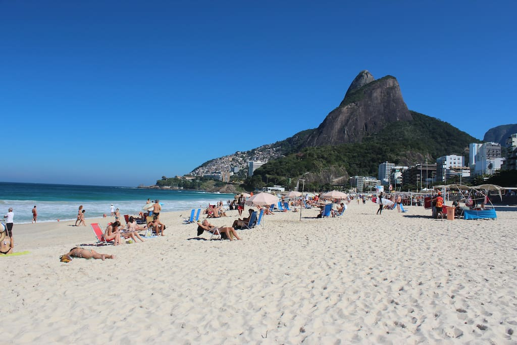 Praia do Leblon..frente ao Hotel