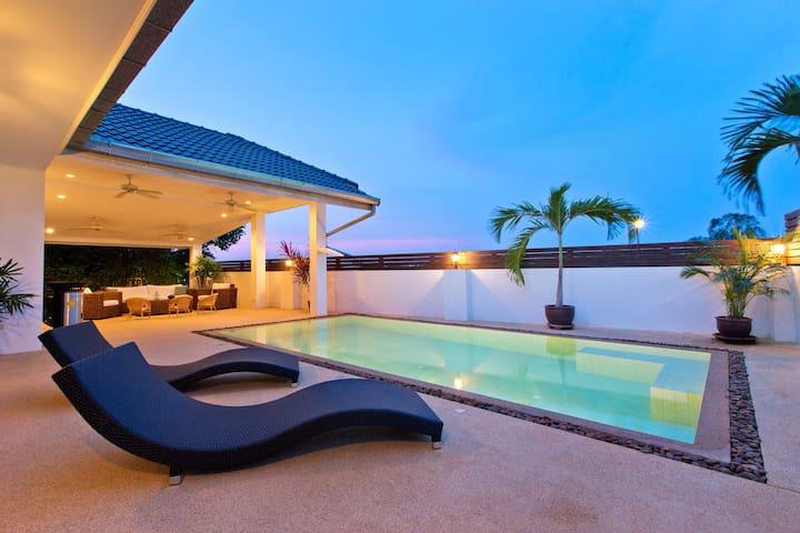 Fantastic Pool Villa in Hua Hin Laguna*****