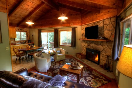 Lake Gregory-San Moritz Cabin- Pool - Crestline