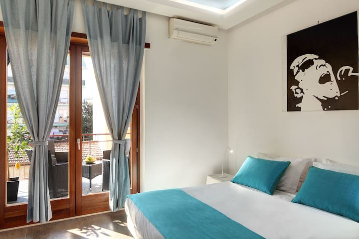 The blue double bedroom