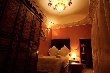 Chambre 2 personnes avec lit double