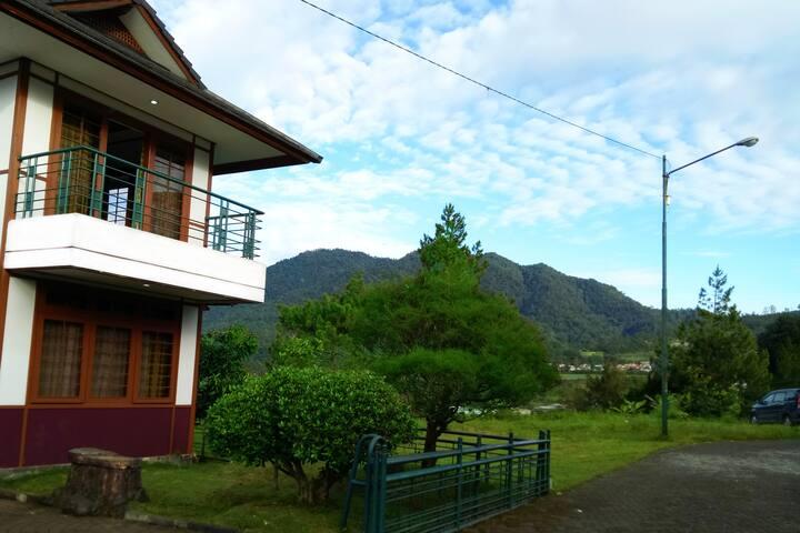 Villa Sakura - Parongpong, Lembang