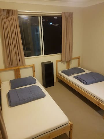 2. Private room) southport, Gold Coast