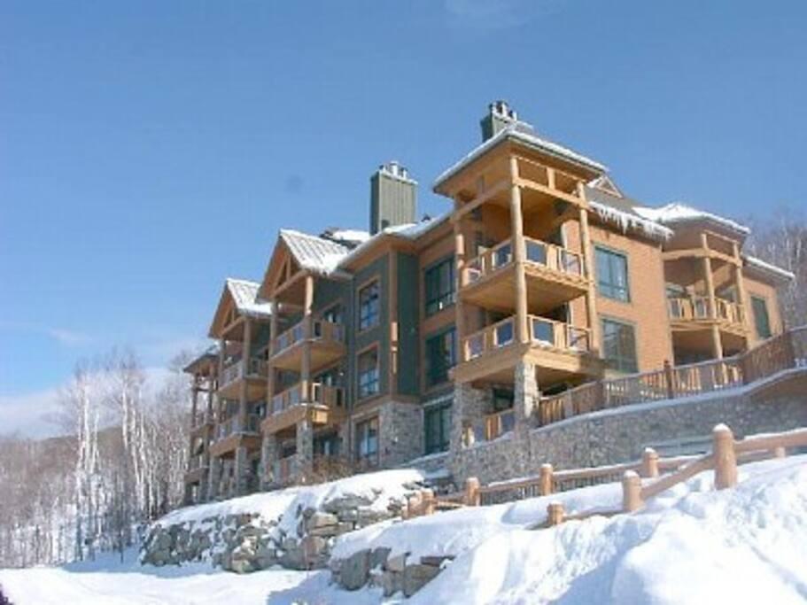 Exterior view: ski-in / ski-out resort