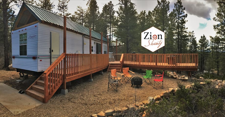 Zion Shanty near Zion & Bryce National Parks - Orderville - Semesterboende