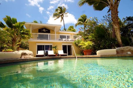 St. James's Club Resort, 3 bed, beachfront villa