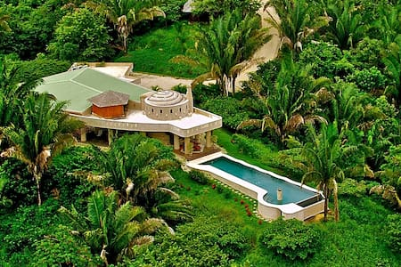 The Ultimate 5 Star Villa Getaway!