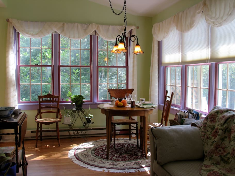 Dining area with sunny southern facing windows. Breakfast is served to you in the suit